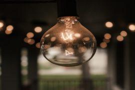 λάμπα-ηλεκτρισμός